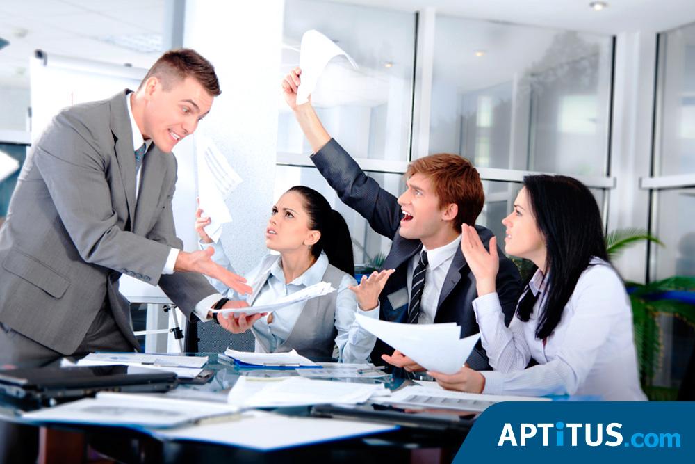 Los 10 comportamientos m s molestos en una oficina de for Oficina de empleo arguelles